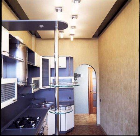 Какой потолок на кухне в хрущевке лучше