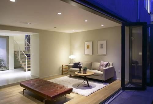 Современный дизайн обоев для гостиной фото